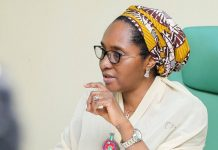 Nigeria must fix her fiscal crisis urgently